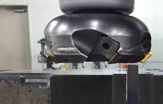 薄板を加工する時の位置
