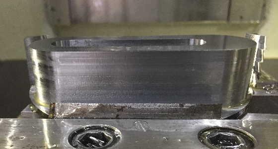 エンドミル形状加工後の側面